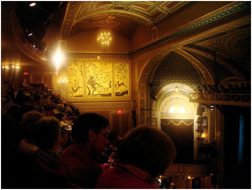 In 1990, the venue reopened in honor of the theatre critic Walter Kerr Theatre with a production of The Piano Lesson by August Wilson.