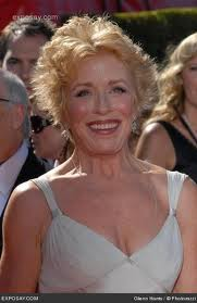 Group discount tickets to see Holland Taylor on Broadway.