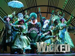 Wicked is thoroughly entertaining.