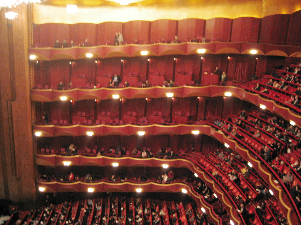 Metropolitan_Opera_auditorium