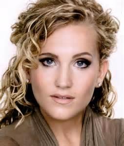 Lora Lee Gayer is Tonia Gromeko.