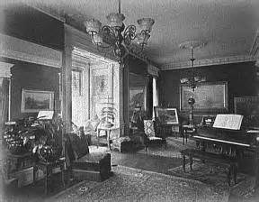 The parlor was a place to entertain and share experiences.