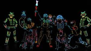 ILuminate: Artist of light is stunning.